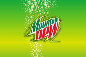 Напиток Mountain Dew в торговом автомате